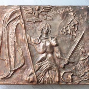Voor een nieuw huis: een bronzen relief voorstellende Jeanne d'Arc en de heiligen die aan haar verschenen